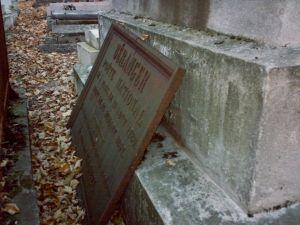 La tombe de Béranger au cimetière du Père-Lachaise, vue en février 2007, plaque funéraire