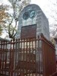 La tombe de Béranger au cimetière du Père-Lachaise, vue en février 2007