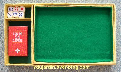 Boîte de jeu en cartonnage presque terminée, 3, éléments du tiroir superposés