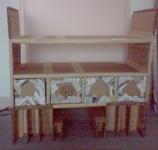 Le meuble en carton en cours de réalisation