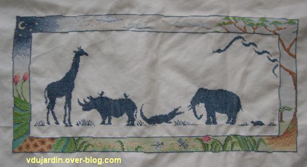 Jungle brodée, girafe, rhinocéros et éléphant