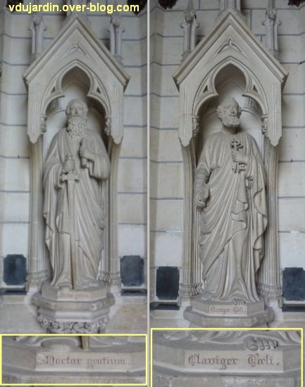 Niort, église Saint-André, 4, les statues des saints Pierre et Paul à l'entrée de l'église