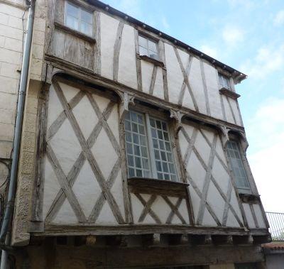 Niort, maison à pan de bois rue du pont, 2, détail de la façade