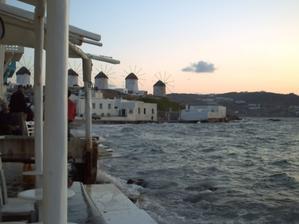 Les restaurants en bord de mer à Mykonos