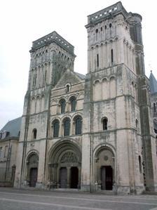 La façade de l'église de la Trinité / abbaye aux dames de Caen