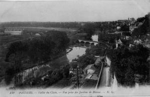 Poitiers, vallée du Clain depuis Blossac, carte postale ancienne