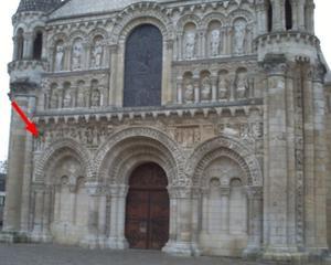 La tentation d'Adam et Eve, position sur la façade de Notre-Dame-la-Grande à Poitiers