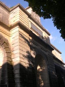 Le château d'eau de Blossac à Poitiers, la façade