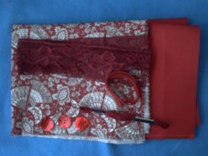 Les tissus, fil et boutons envoyés