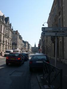 Rue Victor-Hugo à Poitiers, depuis la préfecture en direction de l'hôtel de ville