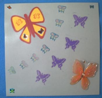 Carte carrée à envolée de 20 papillons