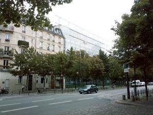 La façade de la fondation Cartier boulevard raspail