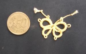Papillon en frivolité, modèle de Bidouillette, coton jaune