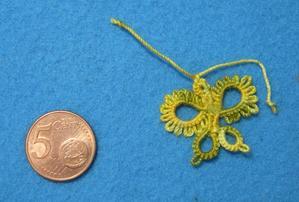 Papillon en frivolité pour le projet butterfly, modèle de this'n'tat, coton jaune et vert