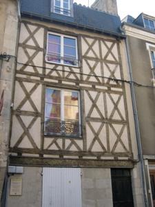Poitiers, 15 rue Cloche-Perse, façade