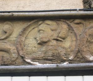 Poitiers, 15 rue Cloche-Perse, portrait de femme