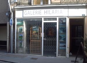 Façade de la galerie Hilaria, rue Carnot à Poitiers