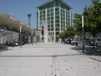 La gare de Poitiers, le parvis