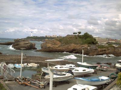 Biarritz, le vieux port et le rocher de la Vierge