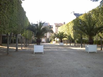 Poitiers parc de Blossac, sortie rue de la Tranchée, au centre du parc