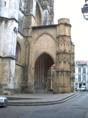 Bayonne, le porche, façade ouest de la cathédrale