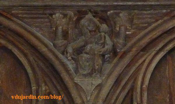 Stalles de la cathédrale de Poitiers, ange transformé en Vierge à l'enfant