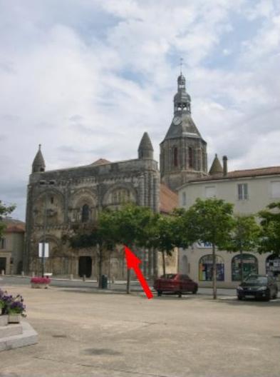 Eglise Saint-Nicolas de Civray (Vienne), façade occidentale