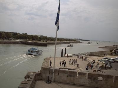 La rochelle, bateaux dans le chenal du port