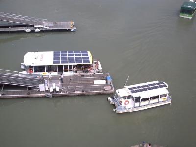 Bus de mer électriques à l'énergie solaire de La Rochelle
