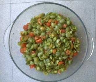 Tomates vertes découpées pour la confiture