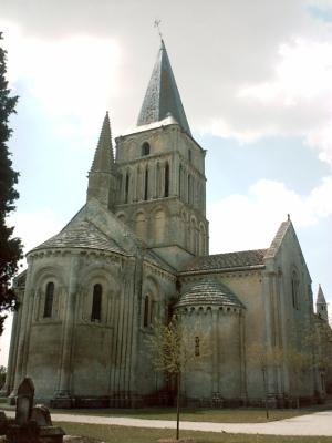 L'église Saint-Pierre d'Aulnay, le chevet