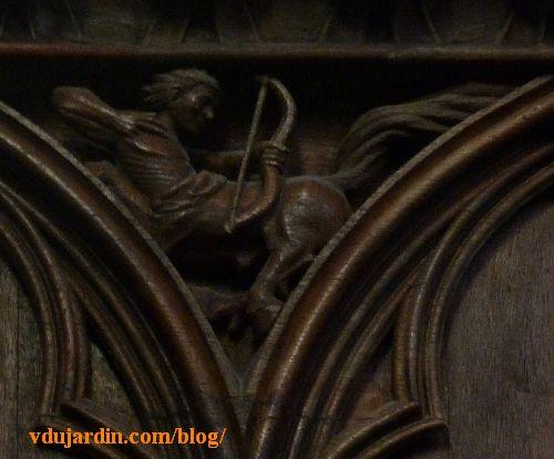 Stalles de la cathédrale de Poitiers, dosseret, centaure
