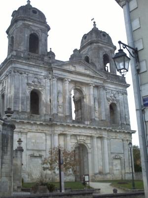 Abbaye de Saint-Jean-d'Angély, façade de l'église
