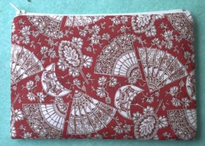 Trousse au vase stylisé, le dos, tissu avec éventails