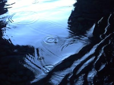 Une grotte dans les calanche, glouglous du bateau