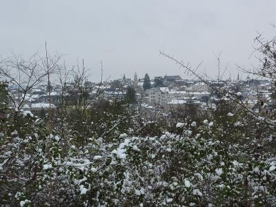 Poitiers sous la neige, le 20 décembre 2009 au matin : la ville vue d'en haut