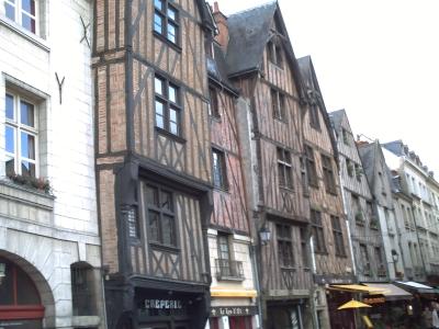 Tours, novembre 2009, place Plumereau