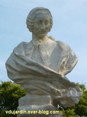 Poitiers, le monument au comte de Blossac par Sudre, 11, vue rapporchée du buste