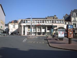 La façade du TAP cinéma à Poitiers