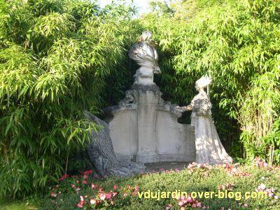 Le monument du compte de Blossac à Poitiers, vue d'ensemble
