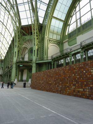 Christian Boltanski (Monumenta 2010) : le mur d'entrée