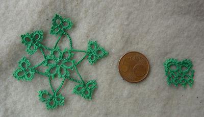 Deux frivolités vertes pour Jardin Zen, une étoile et un petit motif