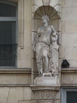 Poitiers, l'ancien cercle industriel, l'allégorie des beaux arts par Brouillet