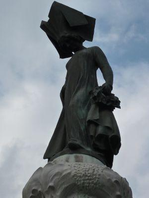 Toulouse, fontaine Belle Paule, la dame Clémence