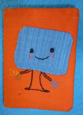 Un porte-carte en tissu, fermé