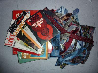 Mes achats chez Emmaüs en avril 2010 : jeu et livres de loisirs créatifs, cravates