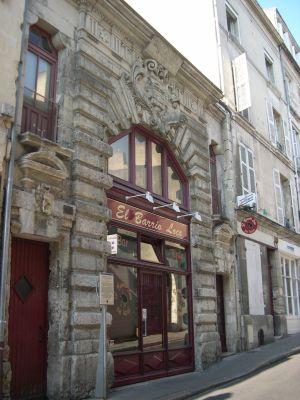 poitiers_prieure_aquitaine_01.jpg
