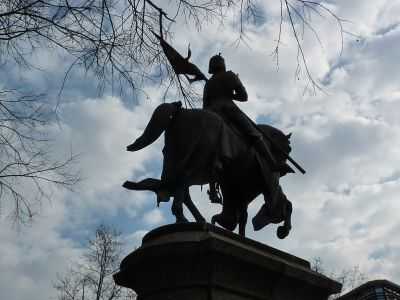 La Jeanne d'Arc d'Antonin Mercié à Toulouse, vue de trois quarts arrière