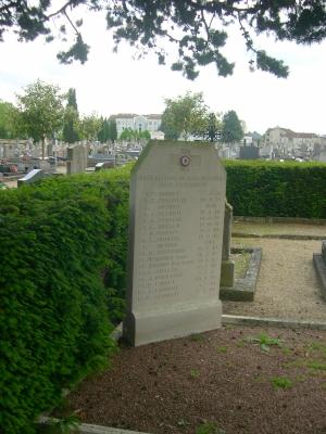 Poitiers, cimetière de la pierre levée, stèle commémorative pour 1939-1945