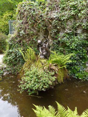 L'amour sur un dauphin de Durenne, dans le parc de Blossac à Poitiers